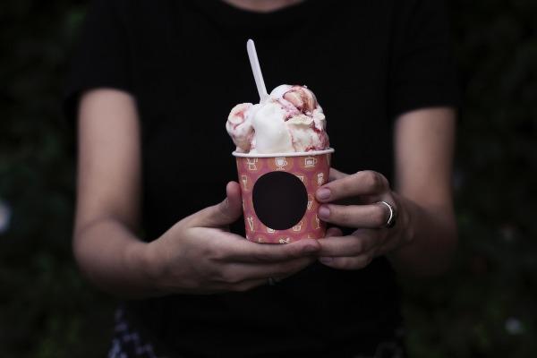 ice-cream-2590932_1920